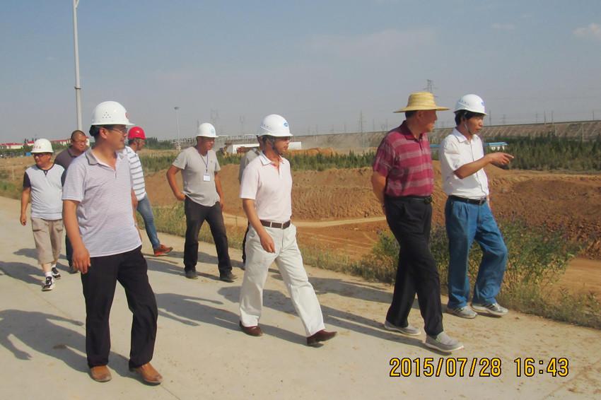 自治区水利厅厅长吴洪相视察由我局承建的宁东供水二期水源工程——鸭子荡水库加坝工程