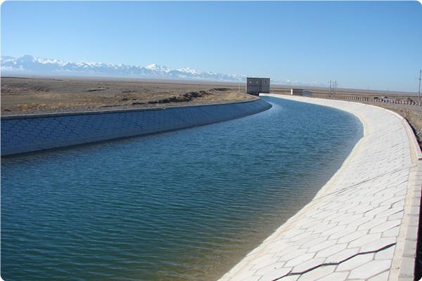 新疆伊犁河南岸干渠工程