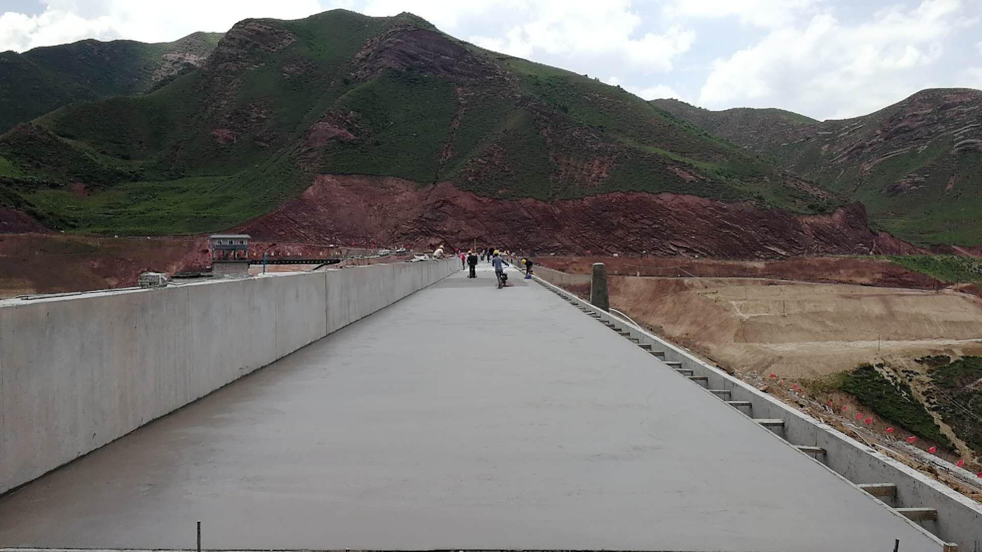 宁工局公司承建青海牙扎水库 大坝工程全面完成