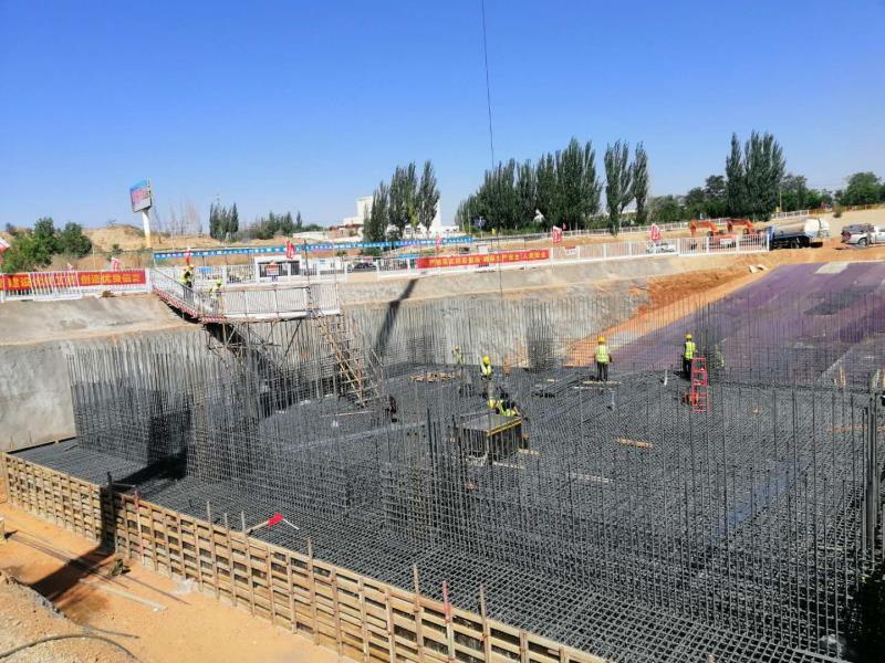 银川都市圈城乡东线供水工程青镇泵站封闭圈底板及倒角砼浇筑完成